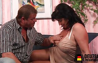 Tangan dan borgol janda muda ngetot berat.